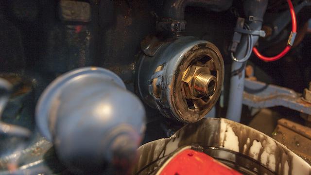 Mantenimiento de motor: cambio de aceite y filtro