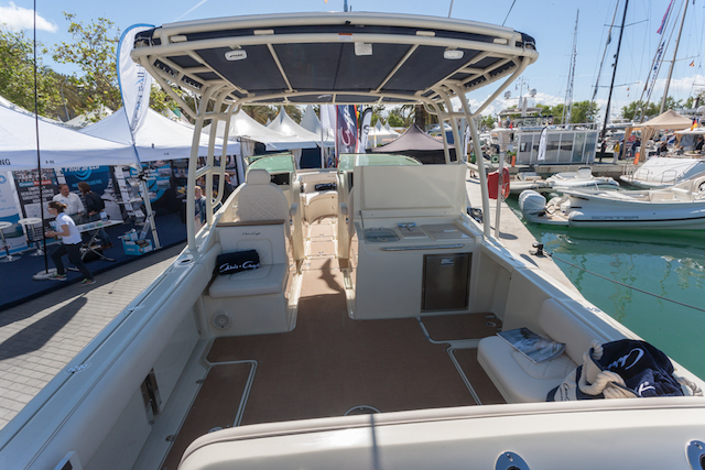 chris craft calypso 30 bañera
