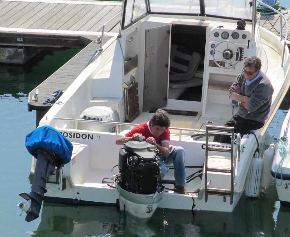 Antes de enseñar el barco por primera vez asegúrate de que todo funciona correctamente; si son necesarias algunas reparaciones este es el momento de decidir donde gastar algunos euros, los recuperarás más tarde.