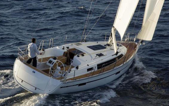 Bavaria Cruiser 37: Sencillo y confortable