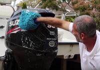 Cómo limpiar el motor fueraborda