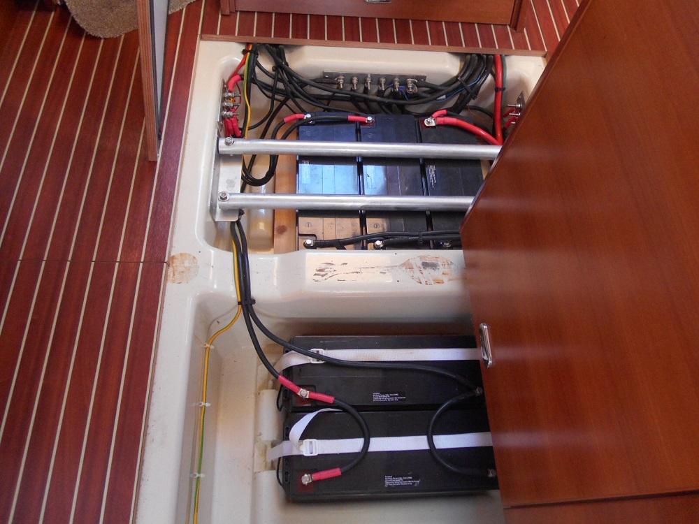 Instalación eléctrica del barco: ¿12 o 24 voltios?
