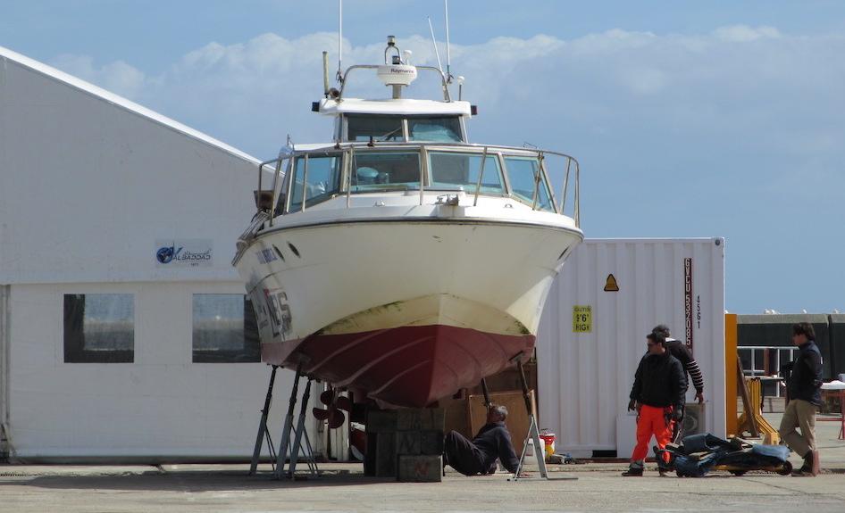 barco-a-motor-varado